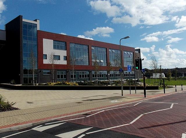 coleg y cymoedd building